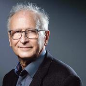 Le Pr Alain Fischer, prudent allié de l'exécutif dans la lutte vaccinale