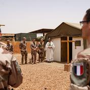 Le rôle méconnu des aumôniers militaires en opération extérieure