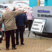 Covid-19: le Royaume-Uni mobilisé pour vacciner à marche forcée