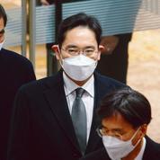 Le président de Samsung retourne en prison