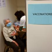Fermetures et reports: la galère des centres de vaccination