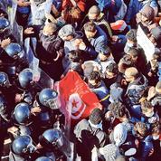 La Tunisie remanie son gouvernement tandis que les protestations se multiplient