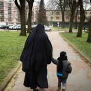 Gérald Darmanin: «La contagion islamiste gangrène les quartiers»