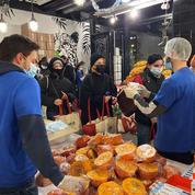 «Sans ça, je ne mangerais pas à ma faim»: à Paris, l'association Linkee distribue 450 colis alimentaires aux étudiants