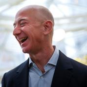 Jeff Bezos, un libraire en ligne charismatique devenu un ogre du commerce, de la techet des médias