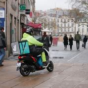 Le centre de Nantes bientôt interdit aux livreurs à scooter