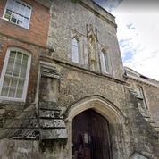 Royaume-Uni: le prestigieux collège de Winchester accueillera bientôt des filles