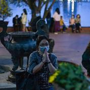 Au Vietnam, le régime face à un pic de la pandémie pour la fête du Têt