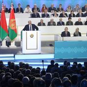 Biélorussie: Loukachenko simule une ouverture démocratique