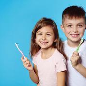 Quel suivi dentaire est recommandé pour les enfants?