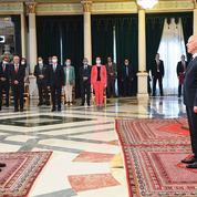 En Tunisie, une bataille au sommet de l'exécutif
