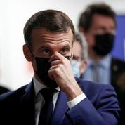 «Faute de moyens hospitaliers et vaccinaux, Emmanuel Macron privilégie un entre-deux»