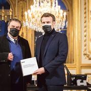 Algérie: Emmanuel Macron sur le chemin périlleux de la mémoire