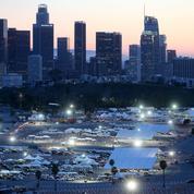 À Los Angeles, la quête effrénée des «chasseurs de vaccins»