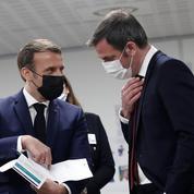 Vaccins, confinement: Emmanuel Macron poussé dans ses retranchements