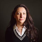 Claire Koç, une journaliste harcelée parce qu'elle aime trop la France