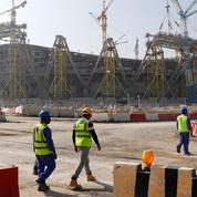 Avant le Mondial 2022 de football, le Qatar relève le salaire minimum