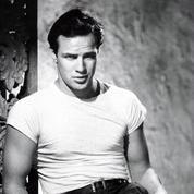 Pourquoi le tee-shirt blanc reste-t-il l'éternel attribut du séducteur?