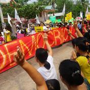 Birmanie: les groupes ethniques armés se rallient aux intérêts des manifestants pro-démocratie