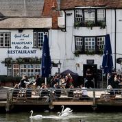 L'Angleterre savoure la réouverture de ses pubs