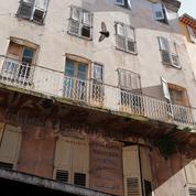 En Provence, la lente reconquête des centres historiques délaissés