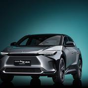 Voitures électriques: les premières de Mercedes et Toyota