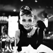 Breakfast at Tiffany's :«Audrey Hepburn enchante le film» selon Le Figaro en 1962