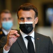 «Les masques tombent», estime Emmanuel Macron à propos de certains élus LR