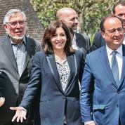 Pour célébrer le 10 mai 1981, les socialistes se retrouvent auprès de François Mitterrand