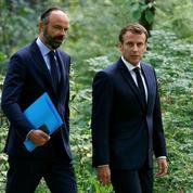 À l'Élysée, retrouvailles entre l'ancien premier ministre et le président