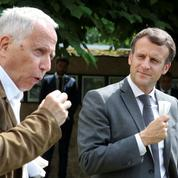 Emmanuel Macron poursuit sa campagne subliminale