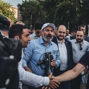 Après la guerre, l'Arménie aux urnes