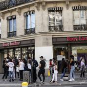 Les commerçants hésitent entre baisse ou hausse des prix pour faire venir les clients