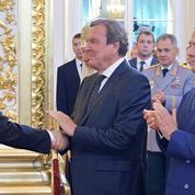 Comment Vladimir Poutine étend son réseau d'«influenceurs» en Europe