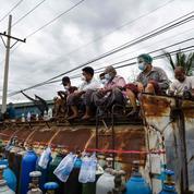 Six mois après le coup d'État, la Birmanie frappée par une troisième vague de Covid