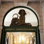 Passe sanitaire: les points de la loi qui pourraient être retoqués par le Conseil constitutionnel