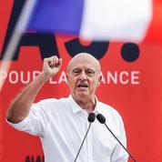 2016: Alain Juppé, le grand favori, se prépare à affronter François Hollande