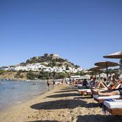 En Grèce, la saison touristique fragilisée par la canicule et le variant Delta
