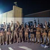 Les talibans triomphent dans Kaboul rongée par l'angoisse