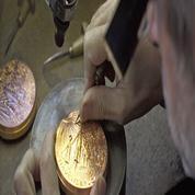 Les artisans de la Monnaie de Paris ont de l'or dans les mains