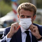 Covid-19: Emmanuel Macron entrevoit la sortie de crise sanitaire