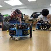 École d'ingénieurs: à l'Esiea, les étudiants construisent un robot