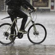 Vélo: comment rouler dans le froid et sous la pluie