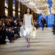 Fashion Week de Paris: Louis Vuitton crépusculaire et spectaculaire