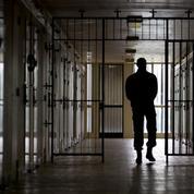 À la prison de Bois-d'Arcy, les députés LR lient surpopulation et radicalisation