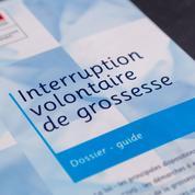 L'allongement du délai légal de l'IVG, un risque politique pour Emmanuel Macron