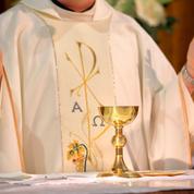 Abus sexuels dans l'Église: après le choc du rapport Sauvé, les fidèles «pensent avant tout aux victimes»