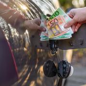 Essence: l'exécutif finalise le chèque carburant
