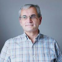 Jacques Lecomte, spécialiste de psychologie positive, a enseigné en sciences de l'éducation à l'université Paris-Ouest-Nanterre-la Défense et à l'Institut catholique de Paris.
