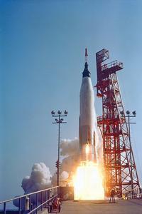 La navette Saturn V d'Apollo 11 décolle le 16 juillet 1969 depuis le Centre spatial Kennedy, en Floride